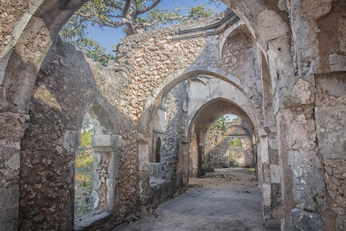 In 1331-1332, the great traveler, Ibn Battouta made a stop here and described Kilwa as one of the most beautiful cities of the world.